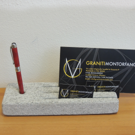 Mailbox with gray granulated gneiss pen